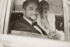 by JenzFlare People- & Hochzeitsfotograf Saarbrücken, Germany #wedding #bride #veil #dress #tuxedo #witness  #oldtimer #marriage #car Abraham Lincoln, Wedding Pictures, Couple Photos, Couples, People, Antique Cars, Couple Shots, Wedding Ceremony Pictures, Couple Photography
