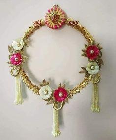 Diwali Decoration Items, Ganpati Decoration At Home, Diwali Decorations At Home, Diwali Diya, Diwali Craft, Indian Room Decor, Acrylic Rangoli, Door Hanging Decorations, Art N Craft