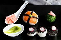 Sushi balls é arroz próprio para sushi que fazemos em forma de bolas depois de ter colocado um ingre... - Receitas sem Fronteiras
