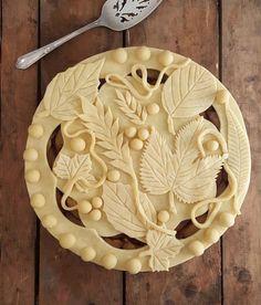 Fancy top crust for any pie Köstliche Desserts, Delicious Desserts, Dessert Recipes, Yummy Food, Cake Recipes, Beautiful Pie Crusts, Cookies Receta, Pie Crust Designs, Pie Decoration