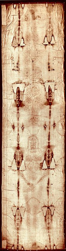 La Sindone di Torino, nota anche come Sacra o Santa Sindone, è un lenzuolo di lino conservato nel Duomo di Torino, sul quale è visibile l'immagine di un uomo che porta segni interpretati come dovuti a maltrattamenti e torture compatibili con quelli descritti nella passione di Gesù.