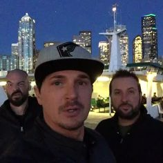 I get camera shy Ghost Adventures Funny, Ghost Adventures Zak Bagans, Best Tv Shows, Favorite Tv Shows, Camera Shy, My Destiny, Ghost Hunting, Creepy Art, Haunted Places