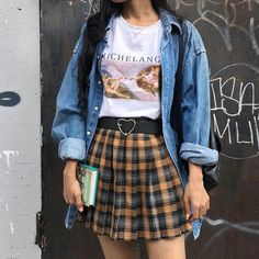 "So ""Dad Fashion"" Is Officially Our Favorite 2018 Fashion Trend -You can find Vintage style and more on our website.So ""Dad Fashion"" Is Officially Our Favorite 2018 Fashion Trend - Edgy Outfits, Cute Casual Outfits, Retro Outfits, Night Outfits, Summer Outfits, Girl Outfits, Fashion Outfits, Fashion Trends, Womens Fashion"