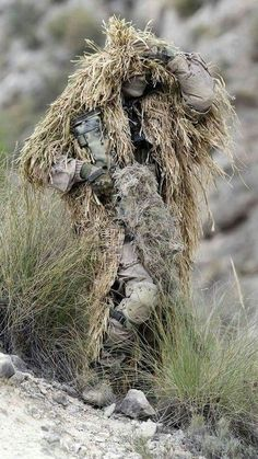 Quality military and tactical photos daily. Sniper Gear, Airsoft Gear, Tactical Gear, Ghillie Suit, Sniper Camouflage, Tactical Operator, Military Special Forces, Future Soldier, Survival Kits