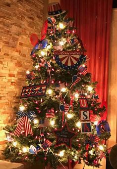 My Patriotic / of July Tree - First year I decorate (Christmas) tree all year round. Christmas Tress, Christmas Tree Themes, Holiday Tree, Xmas Trees, Holiday Decor, Holiday Ideas, Patriotic Decorations, Diy Arts And Crafts, Fourth Of July