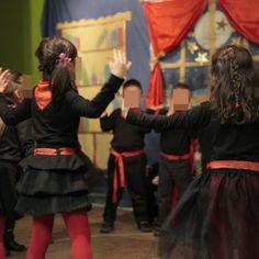 διασκευάζοντας τη Φρικαντέλα Theatre Plays, Christmas Crafts, Christmas Plays, Tulle, Theater, School, Fashion, Moda, La Mode