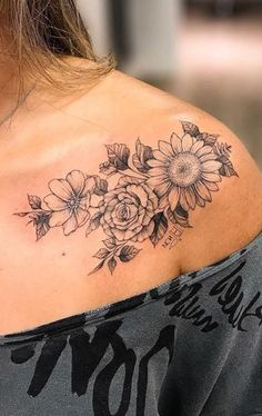 Vintage traditionelle Blumen Blume Sonnenblume Schulter Tattoo Ideen für Frauen ww Vintage traditional floral flower sunflower shoulder tattoo ideas for women ww Delicate Flower Tattoo, Vintage Flower Tattoo, Flower Tattoo Designs, Tattoo Vintage, Flower Vintage, Tattoo Ideas Flower, Vintage Floral Tattoos, Trendy Tattoos, Black Tattoos