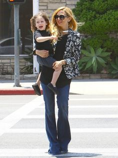 Rachel Zoe Celebrity stylist Rachel Zoe and her husband Rodger Berman take their children Kaius  Skyler out for frozen yogurt in West Holly...