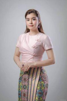 Prom Dresses Two Piece, Girls Dresses, Traditional Dresses Designs, Myanmar Dress Design, Burmese Girls, Myanmar Women, Myanmar Traditional Dress, Sexy Party Dress, Beautiful Asian Women