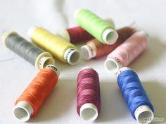 Imagem intitulada Choose Sewing Thread Step 1