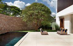 Gallery - AH House / Studio Guilherme Torres - 40
