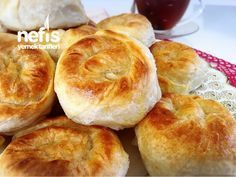 Pastry Pie (With Video) World Recipes, Pie Recipes, Pastry Recipes, Baked Chicken Recipes, Turkish Recipes, Dinner Rolls, Kefir, Diet And Nutrition, Brunch
