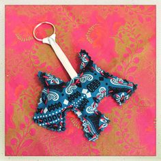 Little doggie keyring in African ShweShwe fabric. Proudly handmade & South African