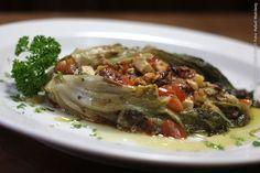 Antonietta - Culinária Italiana (jantar)    Escarola recheada  Escarola, azeite de oliva, cebola, palmito, azeitona verde, pão italiano, salsinha, sal marinho e pimenta do reino