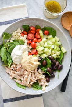 These Greek Chicken Salad bowls are colorful, healthy, loaded with delicious, fresh ingredients, and perfect for lunch or a light dinner! Clean Eating Recipes, Lunch Recipes, Salad Recipes, Healthy Recipes, Healthy Salads, Free Recipes, Healthy Food, Tomato Pasta Salad, Spinach Salads