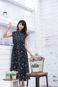Beautiful Asian Women, Yamamoto, Asian Woman, Short Sleeve Dresses, Celebrities, Inspiration, Inspire, Cinema, Sexy