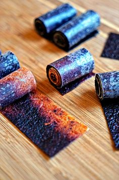 These homemade Nectarine Blueberry fruit roll ups are easy to make and are super economical. You basically are dehydrating your fruit purée mixtures. Candy Recipes, Fruit Recipes, Snack Recipes, Cooking Recipes, Nectarine Recipes, Healthy Sweets, Healthy Snacks, Homemade Fruit Leather, Blueberry Fruit Leather Recipe
