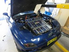 DIY Electric car engine bay   Installing the front battery box in the engine bay. A very tight fit!
