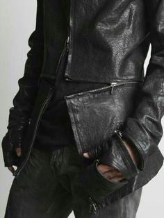 fashion style black Leather goth gothic nu goth dark fashion all black goth style Urban Apparel, Style Noir, Mode Style, Style Men, Streetwear Mode, Streetwear Fashion, Streetwear Clothing, Dark Fashion, Mens Fashion