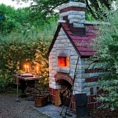 This week, I'm inspired by clever uses of outdoor spaces. A beautiful outdoor pizza oven is making me create a mental grocery list for artisanal pizzas while a Swedish sauna has me dreaming about chilly, Fall nights in Scandinavia. See what other pretty