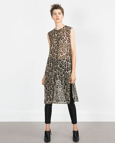 If you're anything like us, it's safe to assume you'll find any excuse to pop into Zara. Well, here's a new one: Halloween. Casual Summer Dresses, Casual Outfits, Fashion Outfits, Womens Fashion, Fast Fashion, Casual Wear, Casual Chic, Grunge Style, Fashion Over