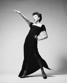 Judy Garland at donning a Norman Norrell dress.is photographed in New York City by fashion and portrait photographer Richard Avedon on January The actress was in town attending CBS. Hollywood Glamour, Classic Hollywood, Old Hollywood, Hollywood Icons, Hollywood Actresses, Judy Garland Liza Minnelli, Divas, Richard Avedon Photography, Nastassja Kinski