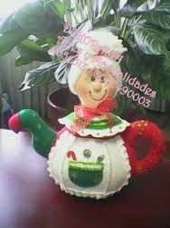 Resultado de imagen para cafeteras navideñas en paño lency | Christmas crafts | Pinterest | Search Christmas Sewing, Christmas Projects, Vintage Christmas, Felt Projects, Felt Crafts, Diy And Crafts, Felt Ornaments, Christmas Ornaments, Tea Cozy