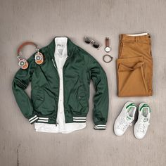 outfit grid Post with 2456 views. Retro Mode, Mode Vintage, Stan Smith Outfit, Style Masculin, Look Man, Casual Outfits, Fashion Outfits, Ootd Fashion, Fashion Clothes