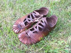 Your place to buy and sell all things handmade Leather Tooling, Tan Leather, Leather Shoes, Medieval Pattern, Viking Dress, Shoe Crafts, Barefoot Shoes, Shoe Pattern, Leather Moccasins