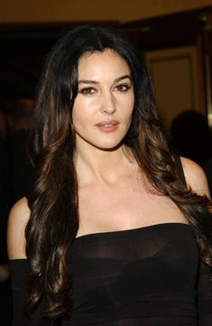 Smile with me Monica Bellucci, Beauty Around The World, Bond Girls, Italian Actress, Hollywood Icons, Female Actresses, Beauty Queens, Most Beautiful Women, Celebrity Crush