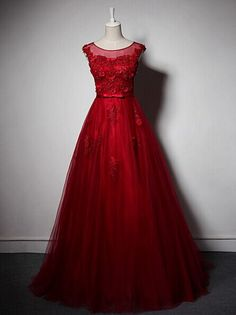 Classic Red Quinceanera Dress,Embroidery Ball Gowns,Masquerade Ball Gowns,Tulle Ball Gowns,Prom Ball Gowns,Party Ball Gowns,Ball Gown Dresses,Sweet 16 Dress