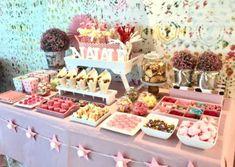 Candy Bar de gominolas por Art Sucré Candy Bar Party, Candy Bar Wedding, Candy Table, Candy Buffet, Dessert Table, Casino Theme Parties, Birthday Parties, Candy Bar Comunion, Bar A Bonbon