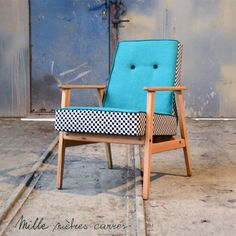 The new spring / summer collection of Thousand square meters! Décoration Mid Century, Mid Century Decor, Funky Chairs, Cool Chairs, Lounge Chairs, Furniture Makeover, Diy Furniture, Furniture Design, Funky Painted Furniture