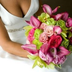 Are you planning to get married? Are you searching for a wedding theme with a wow factor such as a pink and green wedding theme? If so you are...