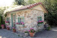 English country decor cottage (mk) Greater Vancouver Parks Tuscan Farm Gardens Iris as garden plants Stone Cottage Homes, Stone Cottages, Cabins And Cottages, Country Cottages, Country Houses, Stone Exterior Houses, Old Stone Houses, Cottage Exterior, Cottage Living