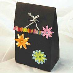 dessines moi un gabarit - les créations de lilas Cardboard Paper, Origami, Decorative Boxes, Paper Crafts, Christmas, Diy, Images, Ralph Lauren, Paper Flowers