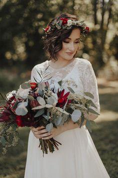 Erin Krespan Photography - www.erinkrespan.com / Bridal portraits / Bride / Boho bride / Boho inspiration / Boho wedding / Maryland wedding / Eastern Shore wedding / Flower crown / Sarah Seven / Bohemian bride #weddingflowers