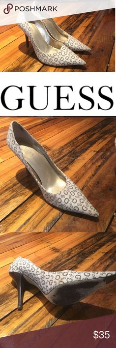 Designer Shoe Sale Designer Shoe Guess Pre loved Plenty of life left in these beauties. If you have any questions please don't hesitate to ask Guess Shoes Heels