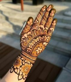 Round Mehndi Design, Back Hand Mehndi Designs, Mehndi Designs Book, Mehndi Designs 2018, Stylish Mehndi Designs, Mehndi Designs For Girls, Mehndi Design Photos, Dulhan Mehndi Designs, Mehandi Designs