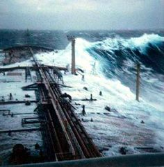 This picture was taken by a crew-member of the supertanker Esso Languedoc, who 1980 shipped into a major storm. The middle high of the waves was about 25 feet. This 80-feet-monsterwave on the photo overroled the ship from the starboardside.