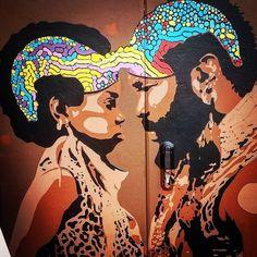 Sto parlando a te  che insegui l'amore  e costruisci  la sua immagine ideale  che poi svanisce nel rumore della vita reale  sarebbe meglio se  ti riuscissi ad ascoltare  #tiromancino #milano #streetart #urbanart #instagraffiti #graffitiporn #artwork #instaart #graffitti #colors #together by gene_hackman