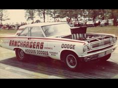 Click this image to show the full-size version. Funny Car Drag Racing, Nhra Drag Racing, Funny Cars, Vintage Race Car, Vintage Trucks, Cool Car Pictures, Crate Motors, San Gabriel, Drag Cars