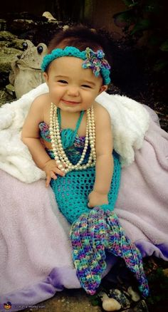 Baby mermaid, Marlee the Mermaid - Halloween Costume Contest Pinned by GARM Cute Baby Halloween Costumes, Halloween Bebes, Halloween Costume Contest, First Halloween, Cute Costumes, Diy Halloween, Costume Ideas, Baby Kostüm, Baby Kind