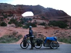 Cycling Gypsies: Utah with Jack e-bike tours Mtb, Holland Bike, Dog Trailer, Bike Trailer, Biking With Dog, Powered Bicycle, Cycling Holiday, Holiday Travel, Adventure Trailers