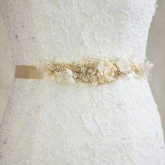 Bridal sash belt Wedding gown Antiqued Narrow waist by LeFlowers, $163.00 Gold Belts, Sash Belts, Dress Belts, Wedding Sash Belt, Wedding Gowns, Diy Gifts To Make, Belted Dress, Fabric Flowers, Gold Wedding