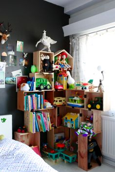 toys 'n stuff - would also make a nice dollhouse