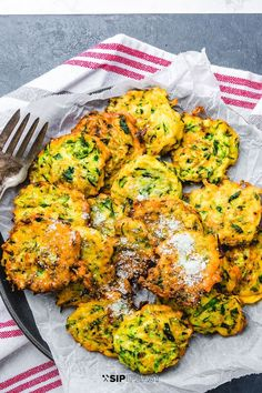 Italian zucchini fritters are so delicious and so simple to make. Made with Pecorino Romano cheese and parsley in a simple batter these crispy fritters fry up in minutes. They make the perfect Italian appetizer or side dish. Zuchinni Recipes, Veggie Recipes, Cooking Recipes, Healthy Recipes, Simple Recipes, Vegetarian Recipes, Sauteed Zucchini, Zucchini Fritters, Italian Appetizers