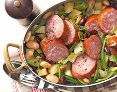 Saucissons auf dreierlei Bohnen und Kartoffeln