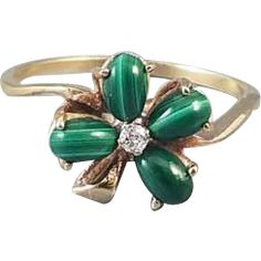 Vintage 10k gold green malachite and diamond 4 leaf clover shamrock ring / size 8 / good luck / lucky / irish / ireland / mid century / Claddagh