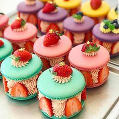 Dessert in caramel effort - Page 19 of 30 Pear Dessert in caramel effort - Page 19 of 30 - dessertminute. comPear Dessert in caramel effort - Page 19 of 30 - dessertminute. Desserts For A Crowd, Cute Desserts, Beautiful Desserts, Party Desserts, Dessert Recipes, Mini Cakes, Cupcake Cakes, Pear Dessert, Quick Dessert